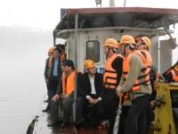 Chủ tịch HĐTV Tổng công ty ĐSVN cùng lãnh đạo công ty thị sát cầu Long Biên